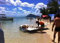 shopping on the beach in Mauritius